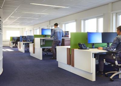 Blue Sky Group - Werkplekken met zit-sta bureaus