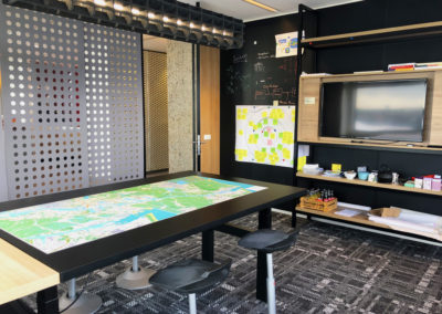 Port of Amsterdam projectkamer blackboard en vergadertafel